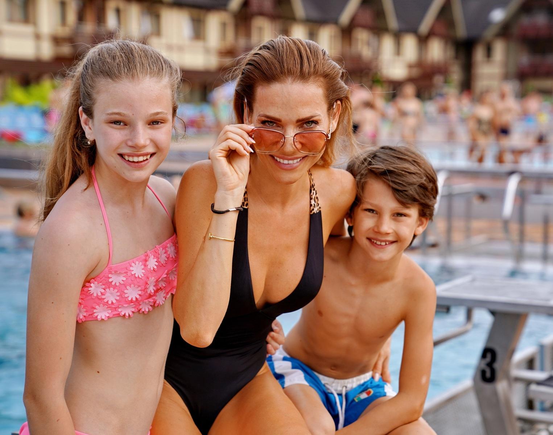 Ze společnosti / Andrea Verešová strávila s rodinou víkend ve vodním parku Bešeňová