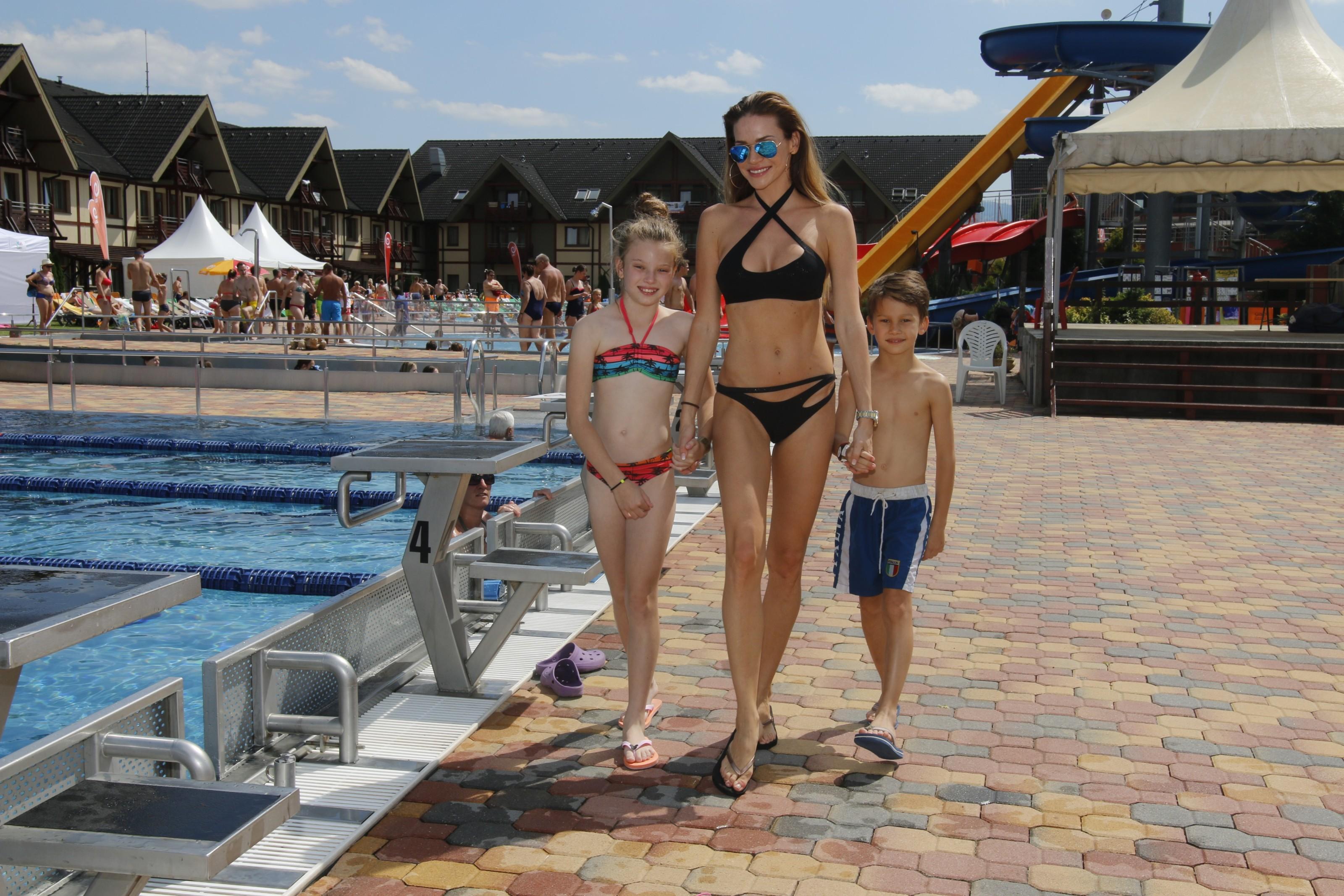 Ze společnosti / Andrea Verešová vyrazila s rodinou do Gino Paradise Bešeňová