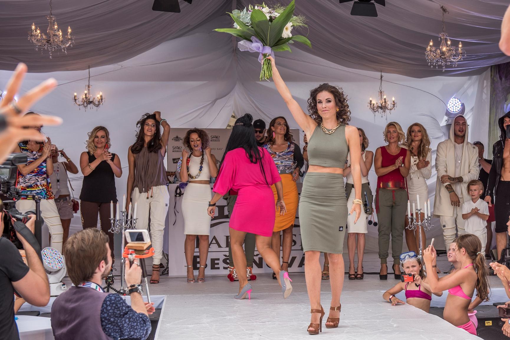 Fashion show v Bešeňové se zúčastnily tisíce lidí