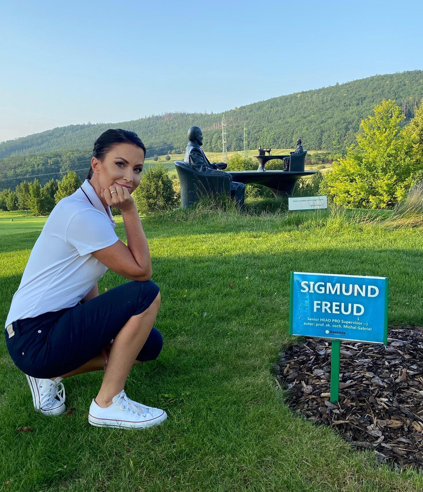 Ze společnosti / Gábina Partyšová vyrazila se synem do golfového resortu Kaskáda