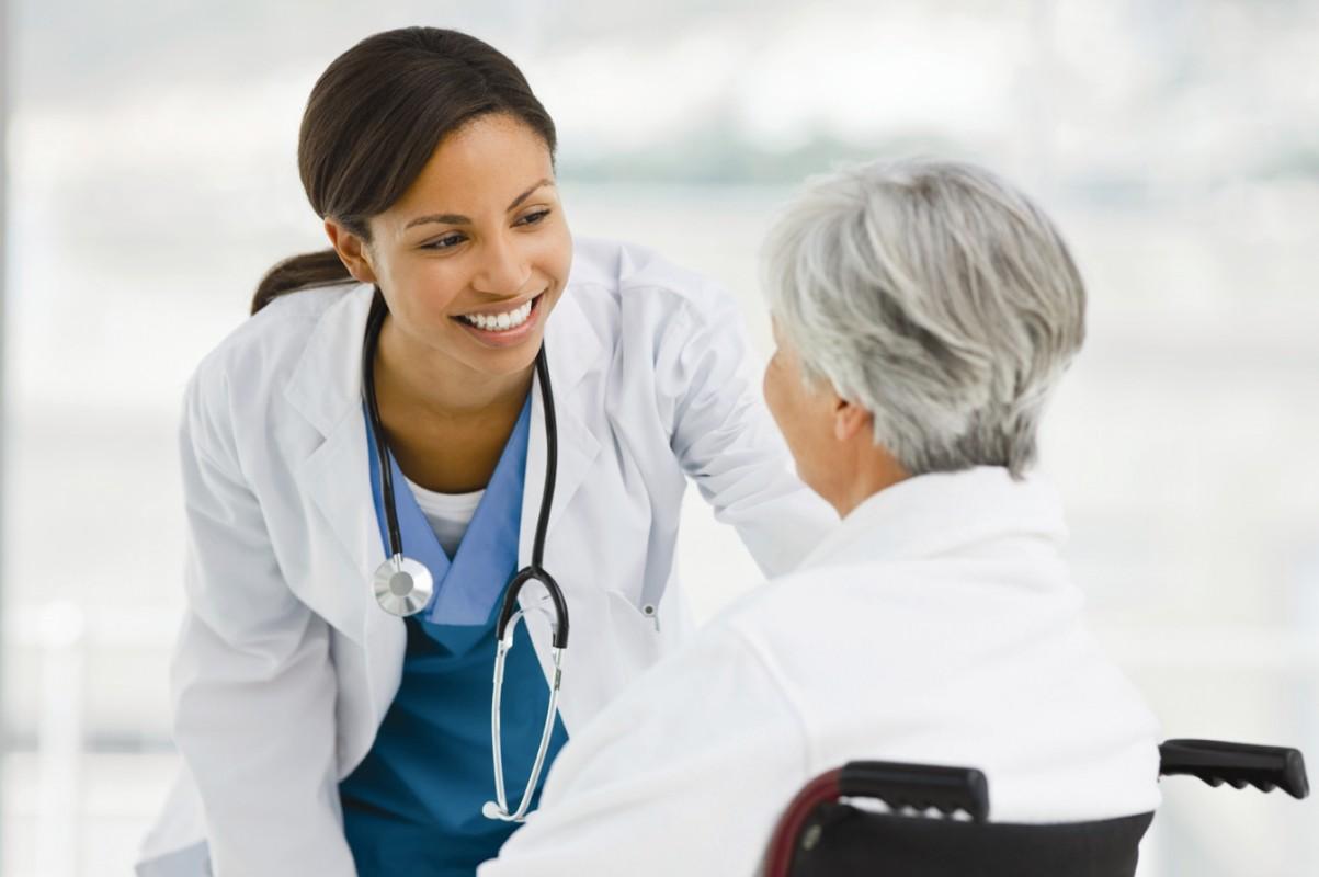 fotky / Lidé nad 50 let mohou v rámci prevence podstoupit vyšetření ledvin