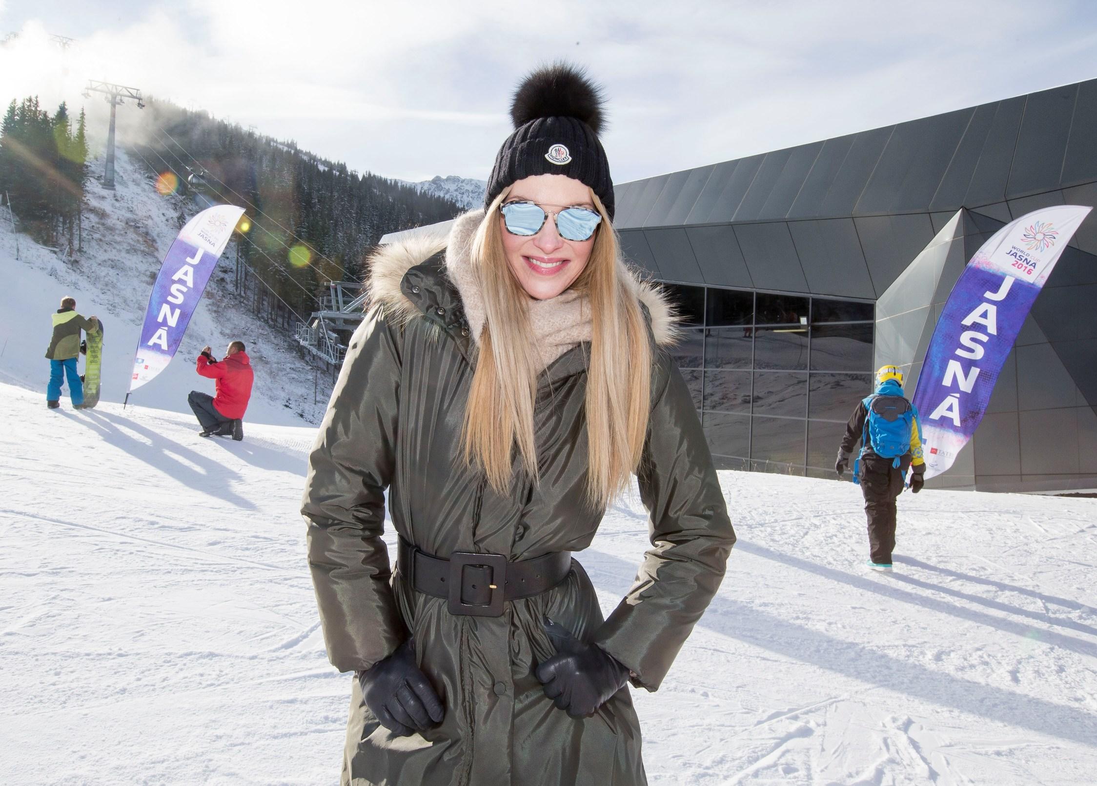 Ze společnosti / Lyžařskou sezónu v Tatrách otvírala Pavlína Němcová