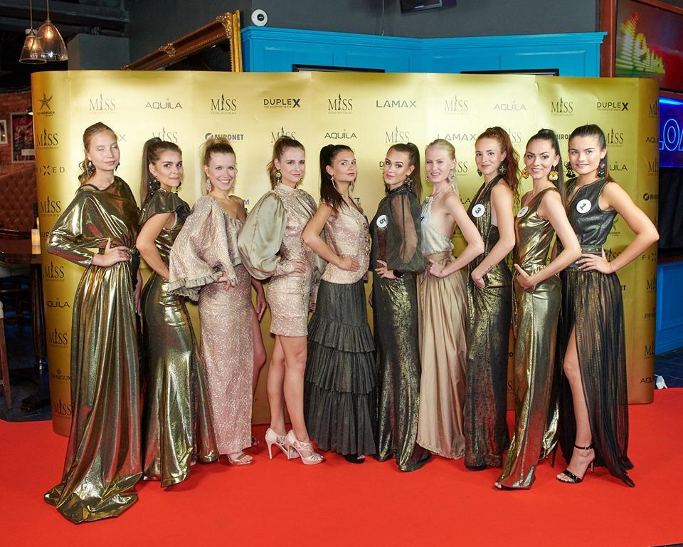 Móda / Missky vynesly zlatou kolekci návrhářky Jenny Jeshko