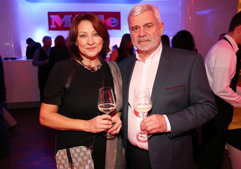 Ze společnosti / Na večírku Miele nechyběla herečka Zlata Adamovská s Petrem Štěpánkem