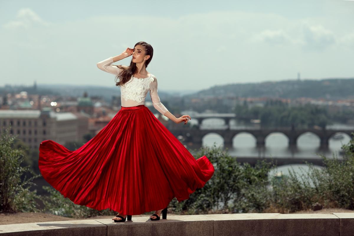 Móda / Ručně skládané plisované sukně najdete v butiku F.designers