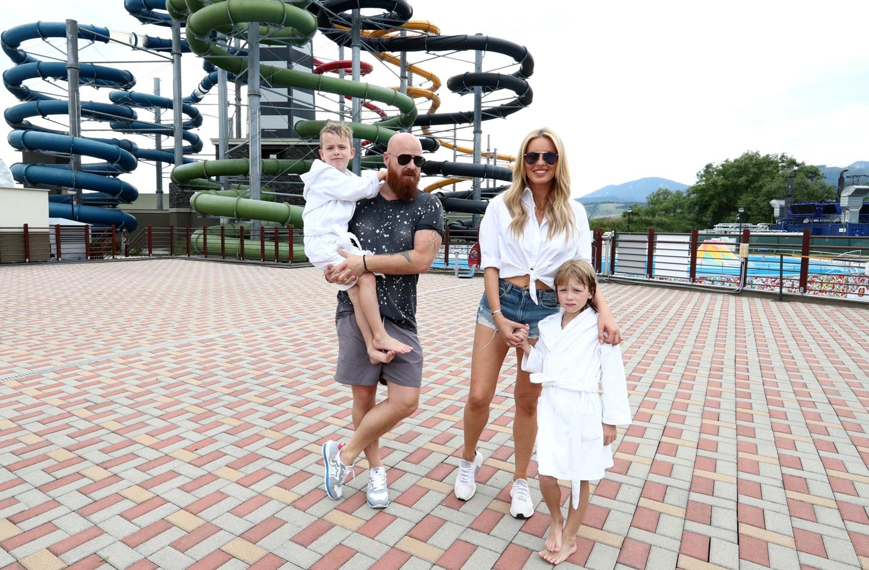 Ze společnosti / Simona vyrazila do Tater s manželem i dětmi