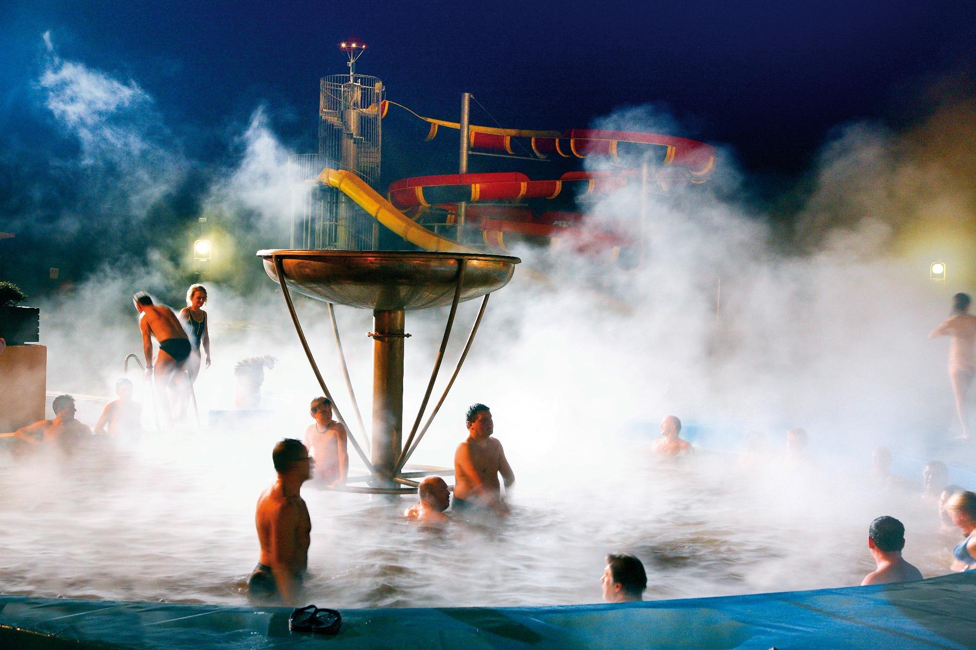 Termální bazény v Gino Paradise Bešeňová